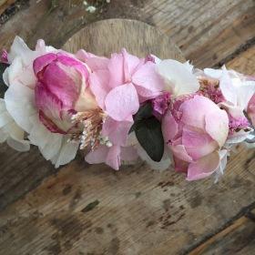Tocado back en flor preservada, rosas y peonias