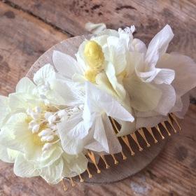 Peineta en Flor preservada en tonos amarillos