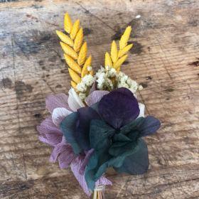 Prendido en flor preservada