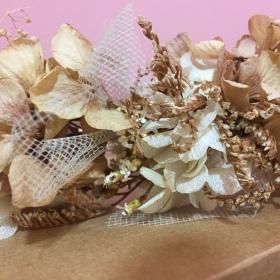 Corona Flor preservada y Tul