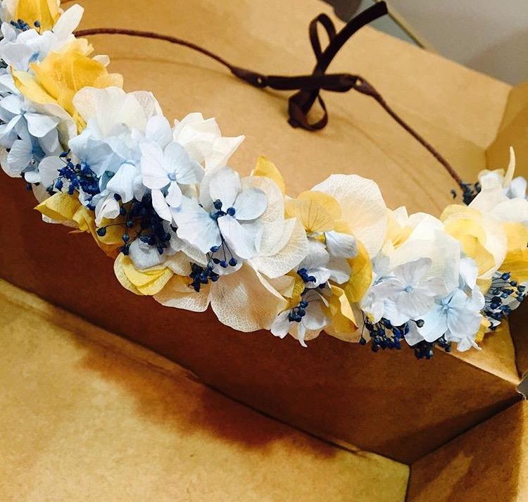 Media Corona en Flor Preservada tonos azulados